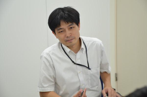 FXTFのマーケティング担当、伊藤さんが解説する様子。