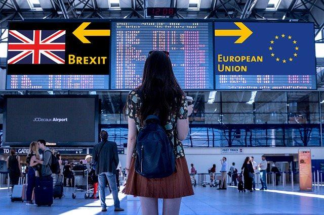 BrexitとEUを見つめる女性